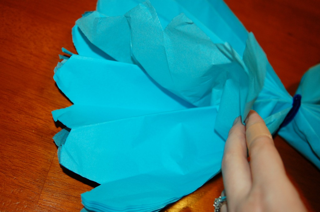 fan out tissue paper