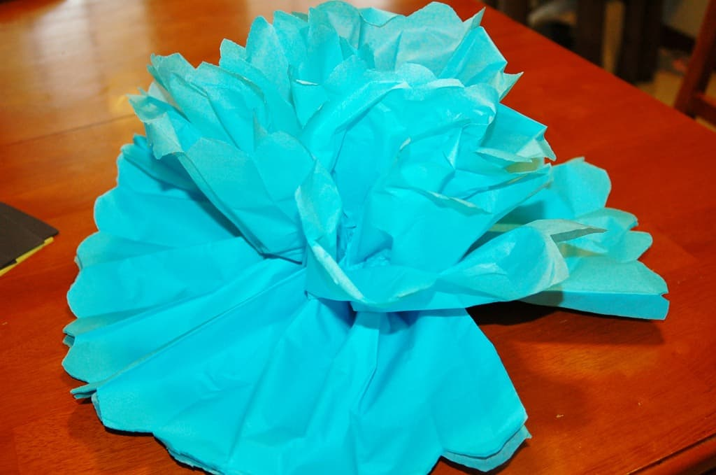 paper tissue flower tutorial