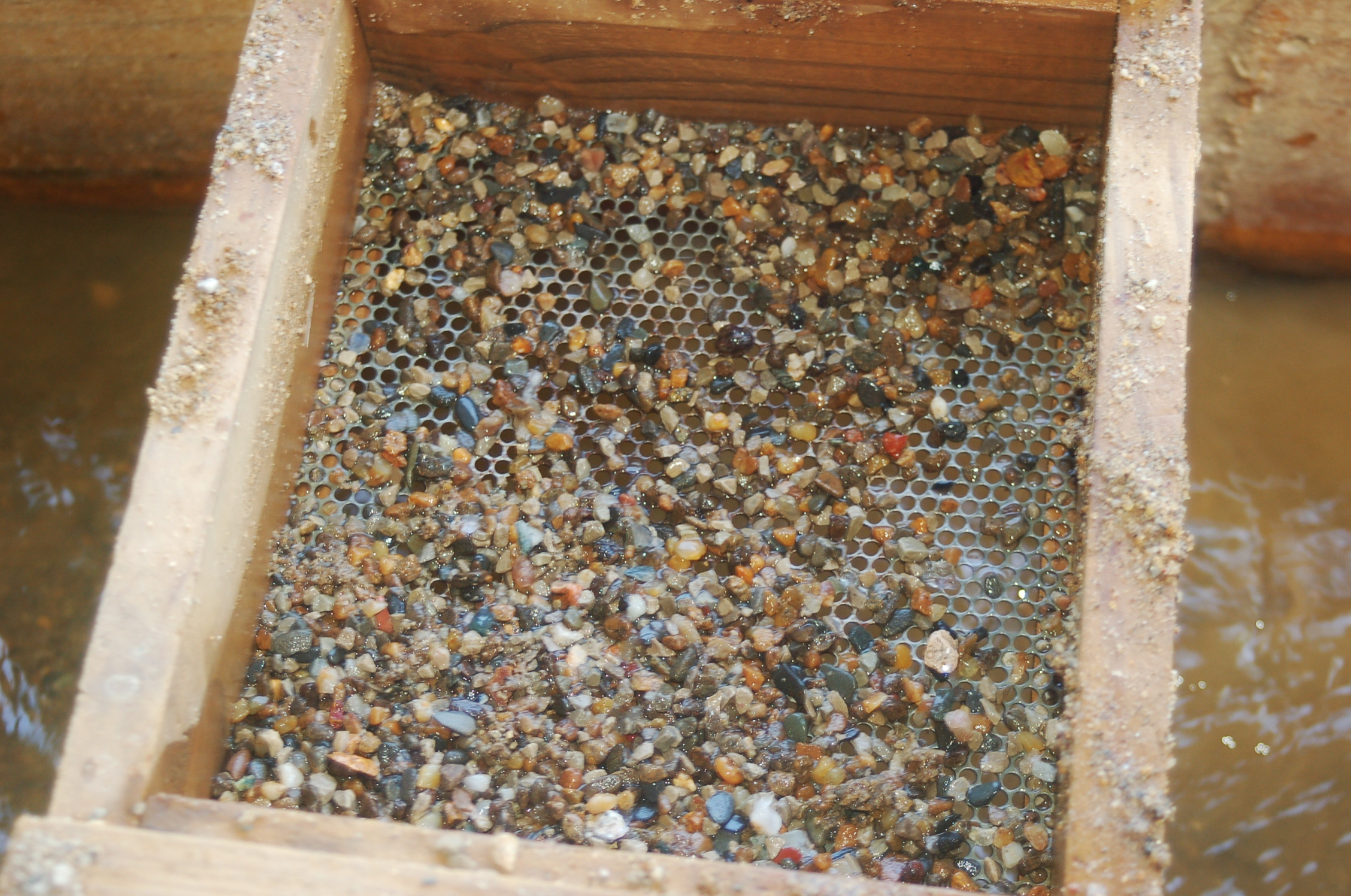 gem panning in tennessee at raccoon mountain caverns