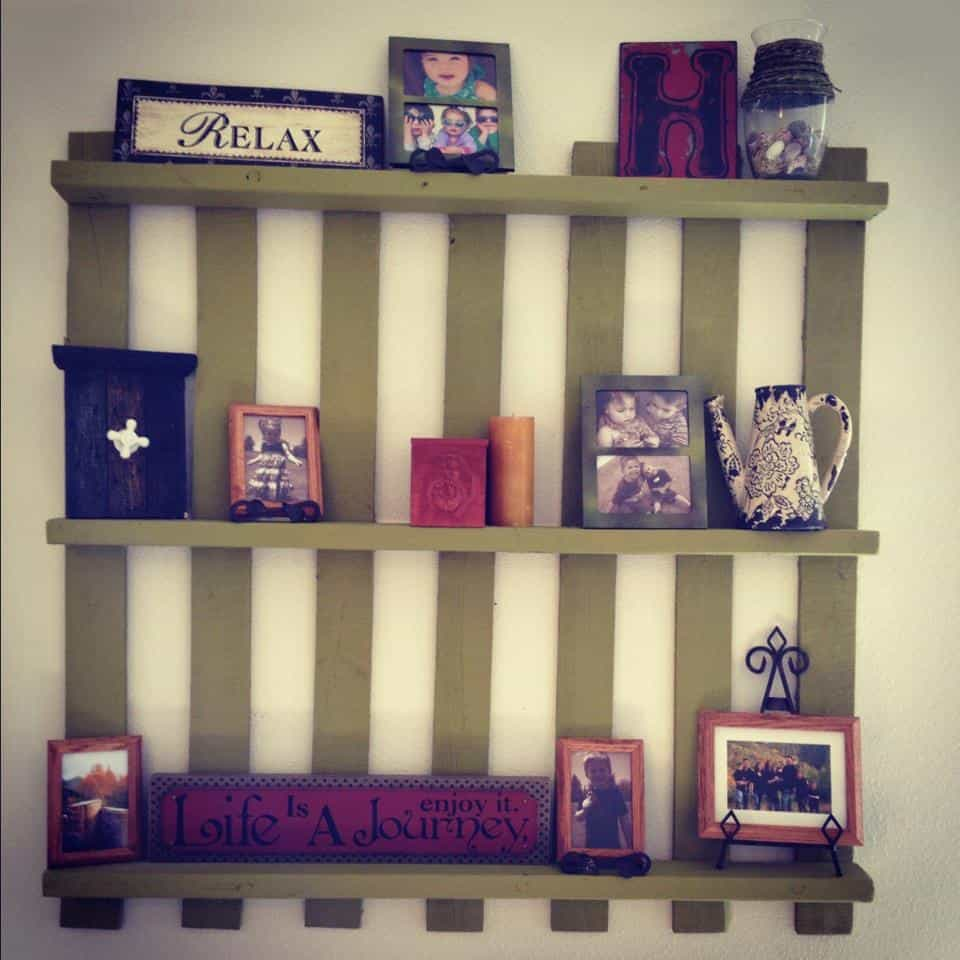 Amazing Wood Pallet Decor To Hang For Under 5