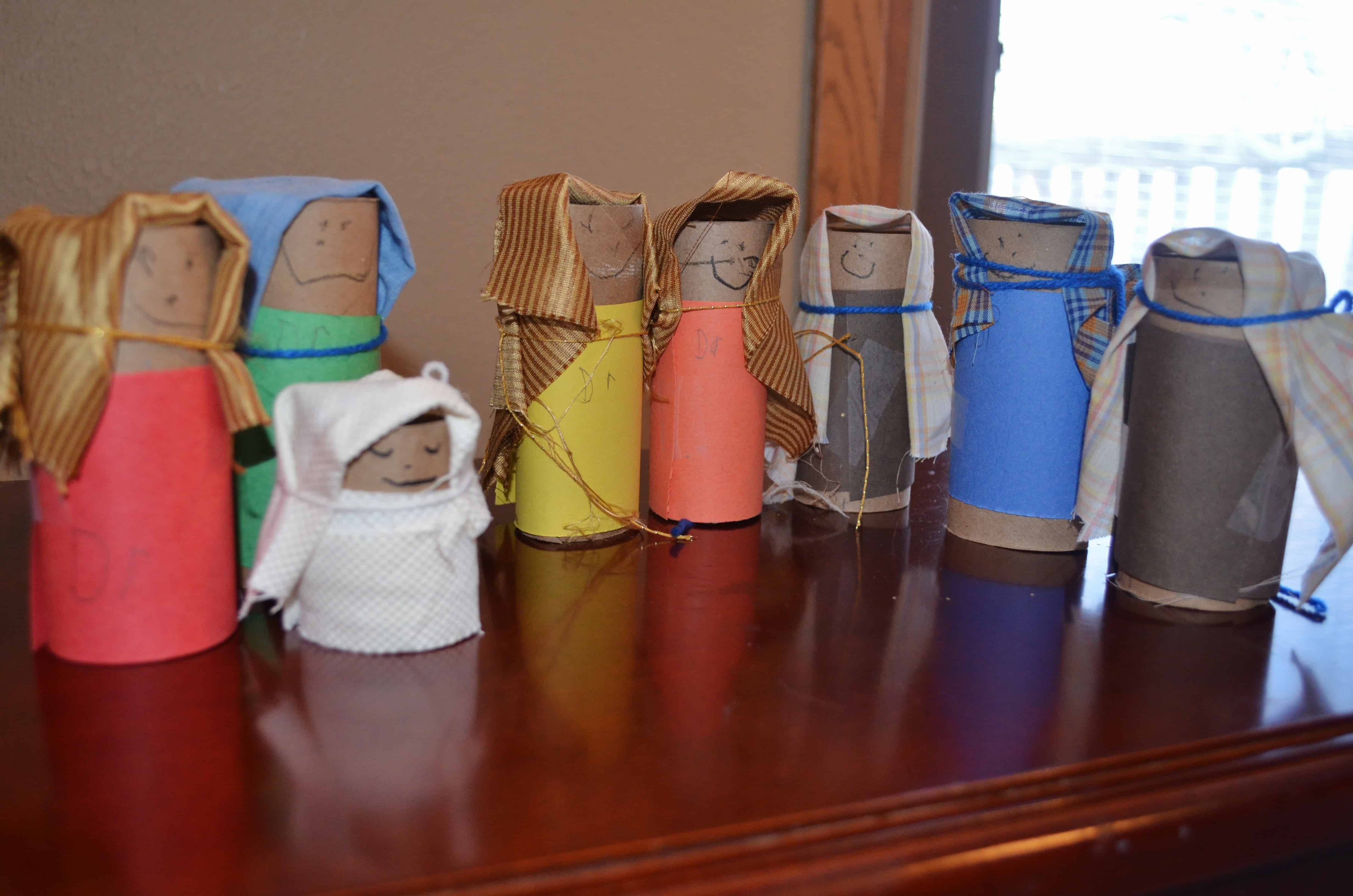 Recycled toilet paper tube nativity craft surviving a for Recycling toilet paper tubes