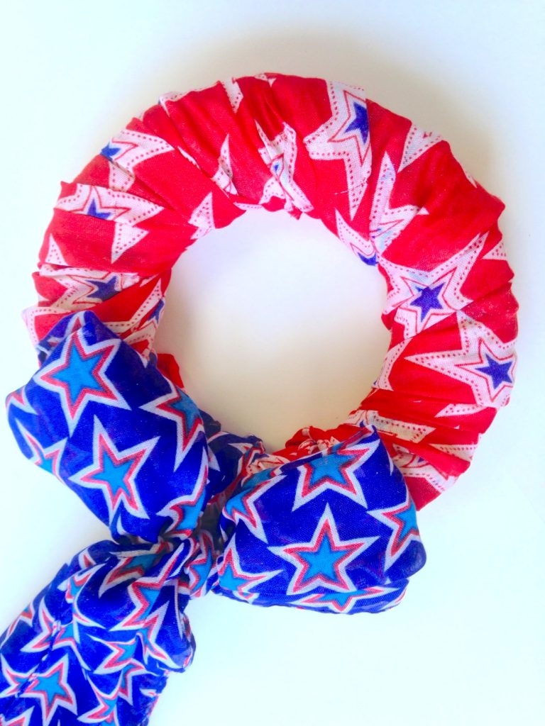 DIY Simple Patriotic Wreath Home Decor