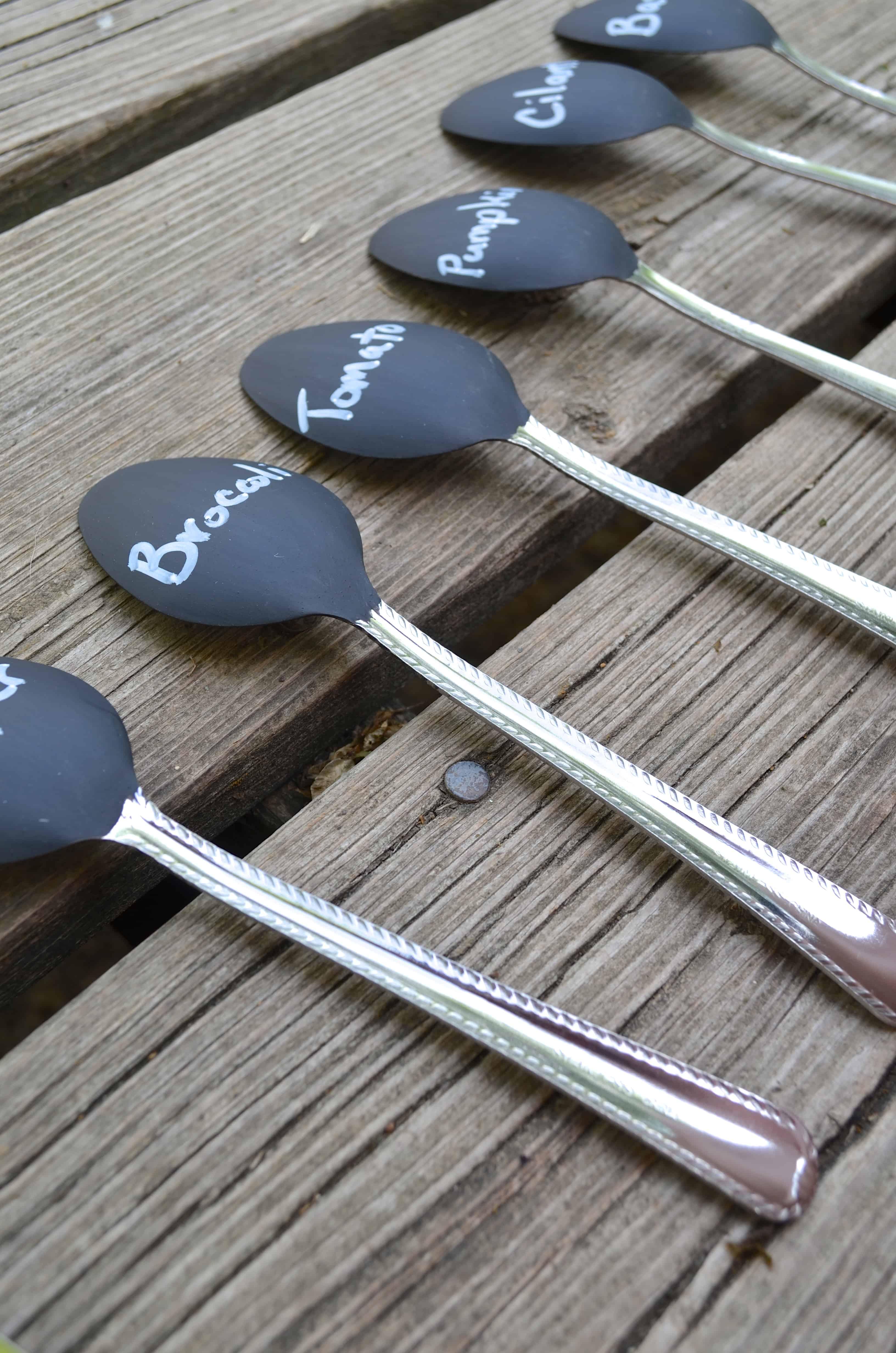 Diy Chalkboard Paint Spoon Garden Markers Tutorial