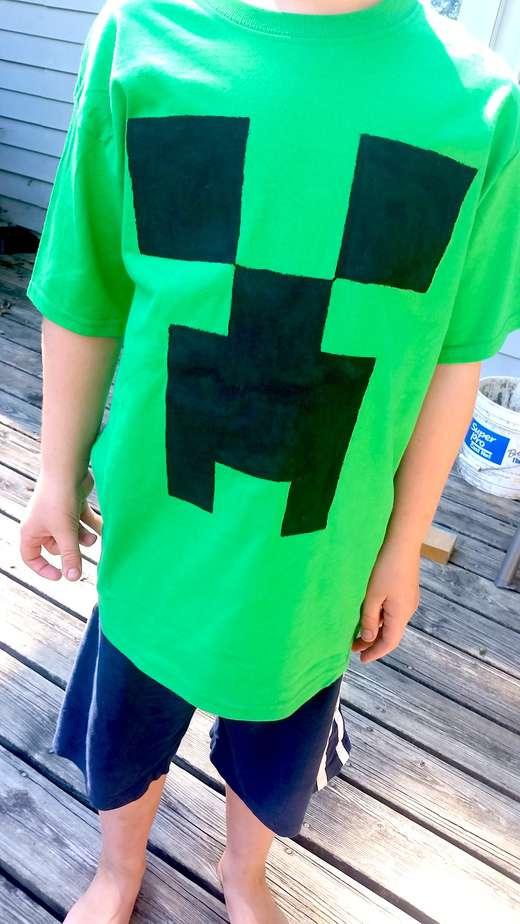 Minecraft creeper t shirt tutorial under 5 to make for Mine craft t shirt