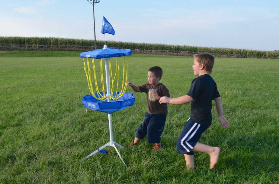 portable flying disc golf outdoor game review