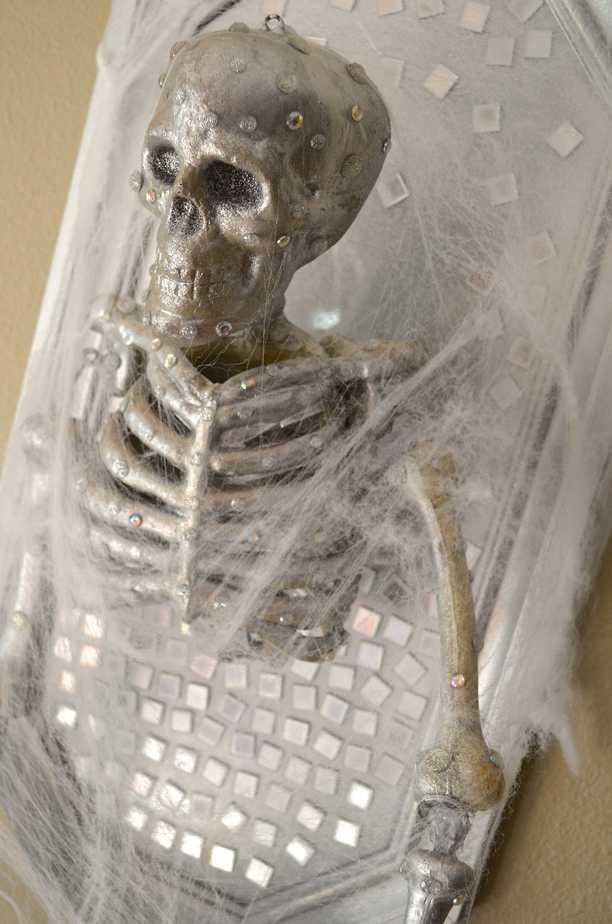 Diy Skeleton Halloween Frame Wall Decor Tutorial