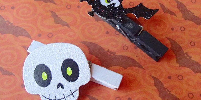 Halloween Themed Decorative Clothespins – Bat & Skull