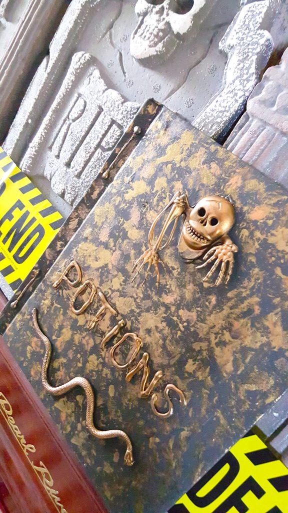 DIY Potions Book Tutorial - Halloween or Harry Potter Decor
