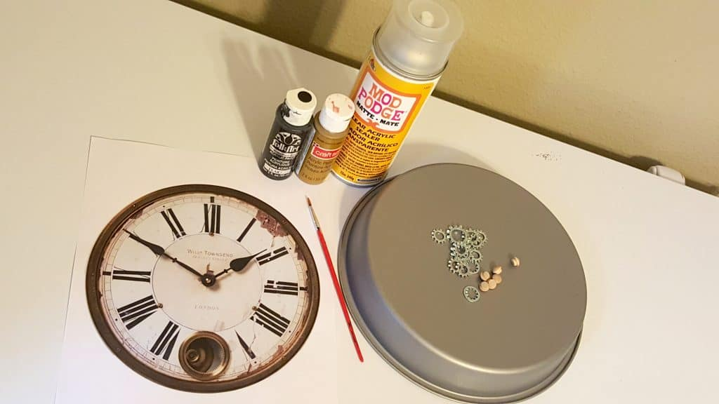 Diy vintage steampunk inspired home clock wall decor for Wall clock diy ideas