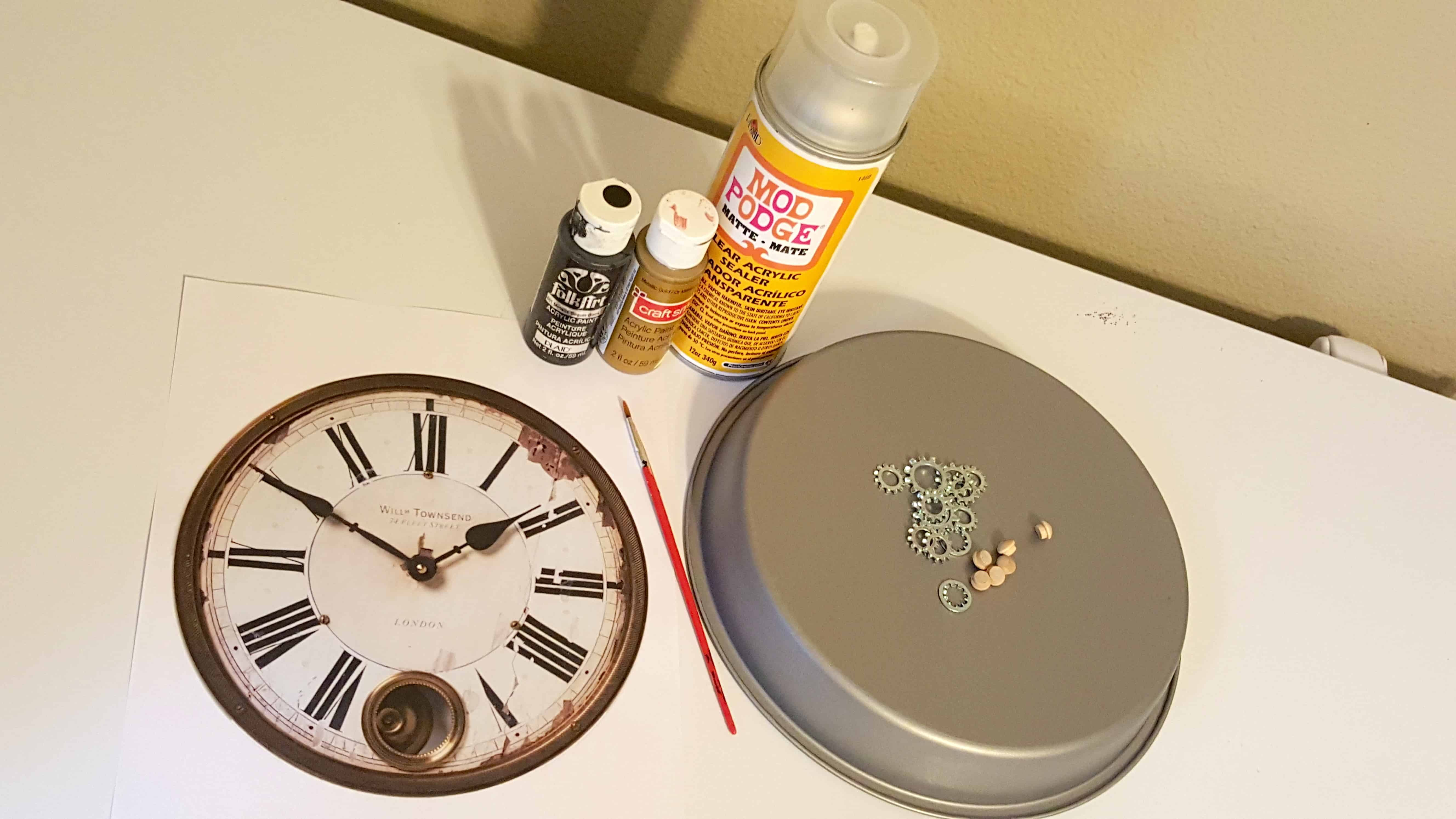 Diy vintage steampunk inspired home clock wall decor for Diy steampunk home decor