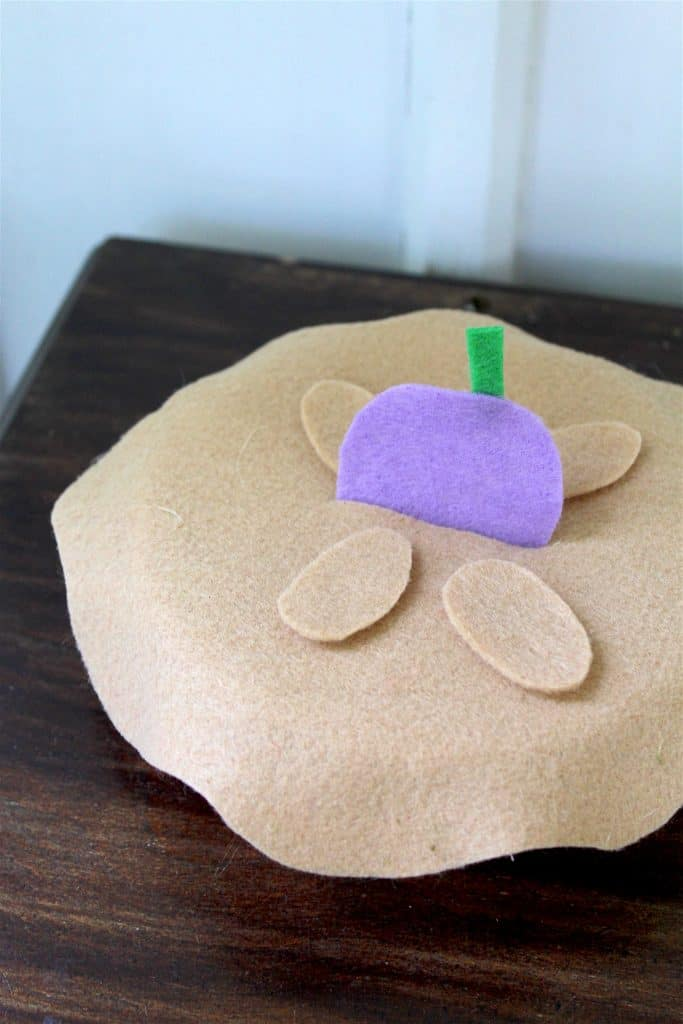 Nursery Rhyme Felt Craft - Little Jack Horner
