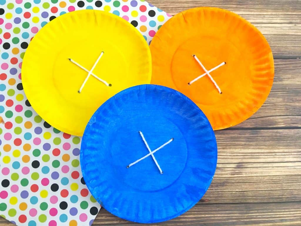 Pete the Cat Groovy Button Paper Plate Craft