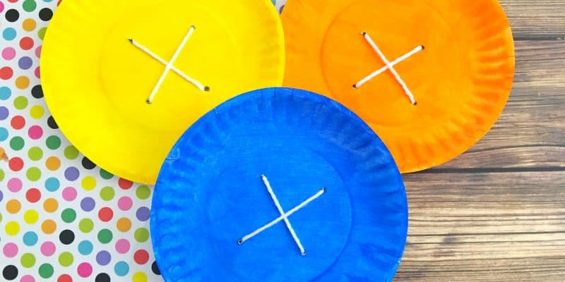 Pete the Cat Paper Plate Craft: Four Groovy Buttons