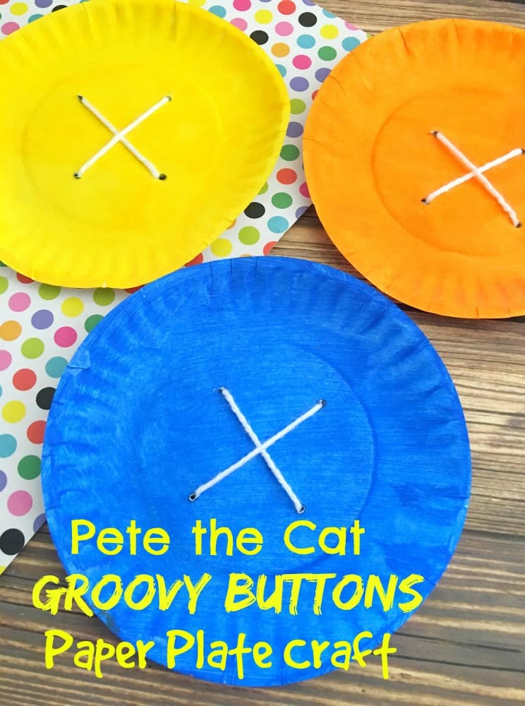 Pete the Cat Groovy Buttons Paper Plate Craft