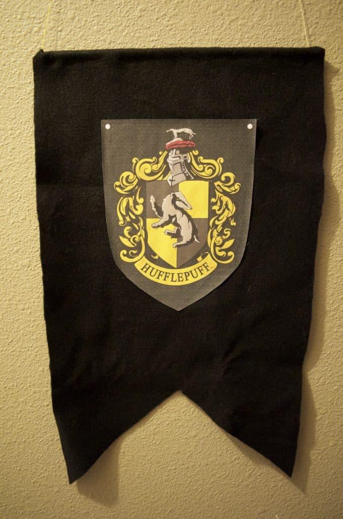 DIY Hogwarts Banner - Hufflepuff