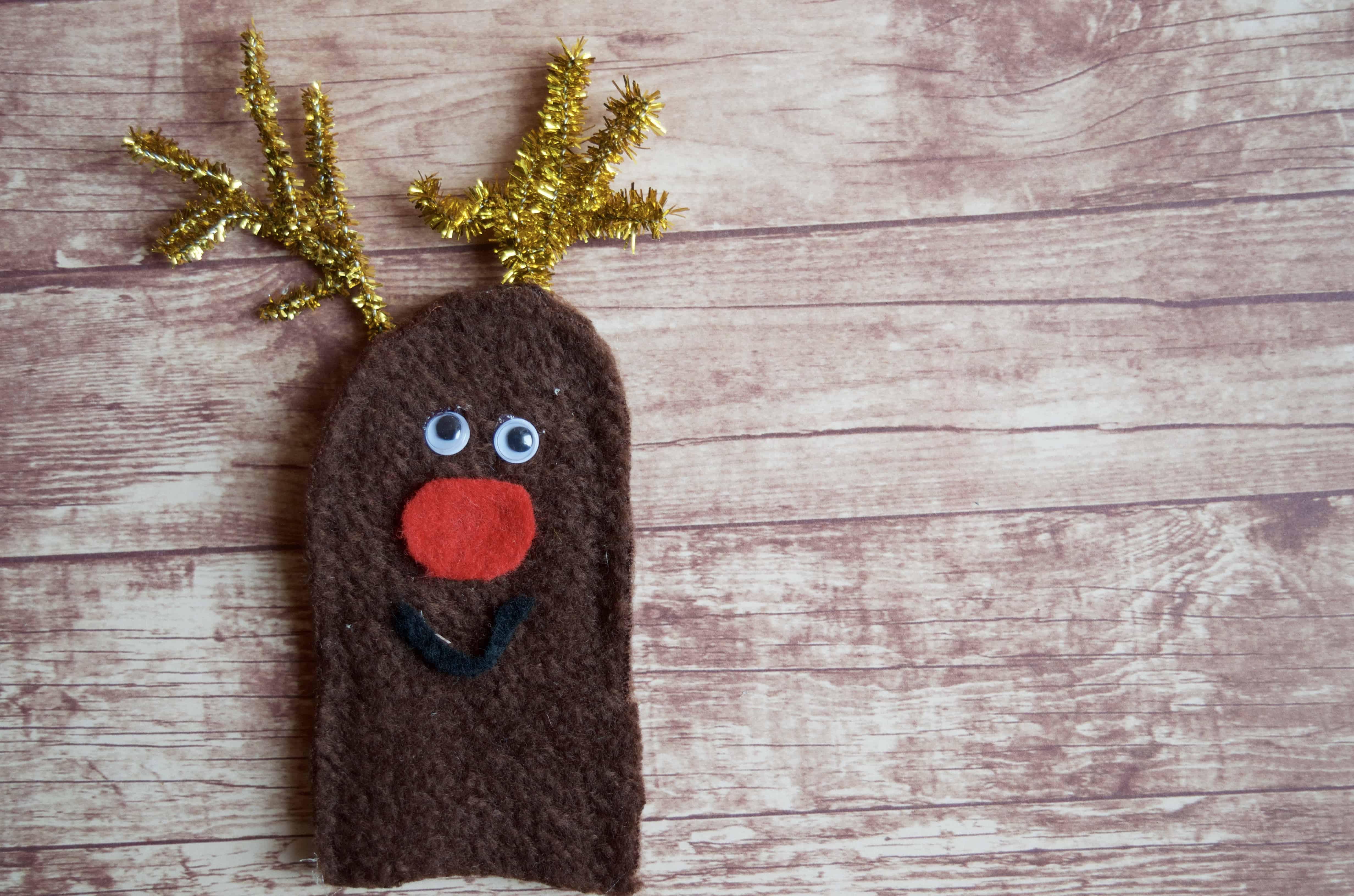 DIY Christmas Felt Finger Puppet for Imaginative Play