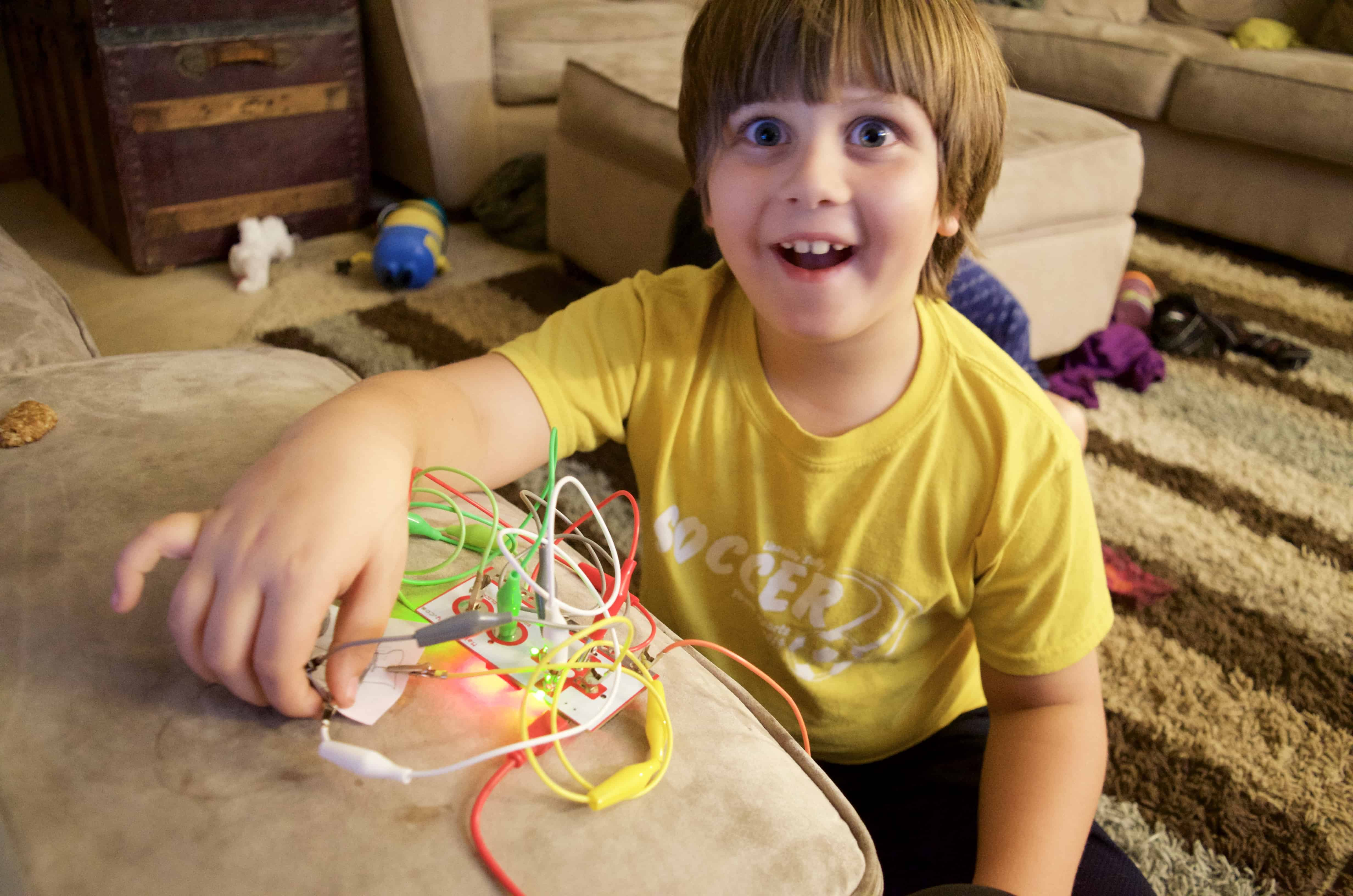 Makey Makey STEM Kid's Engineering Kit Review