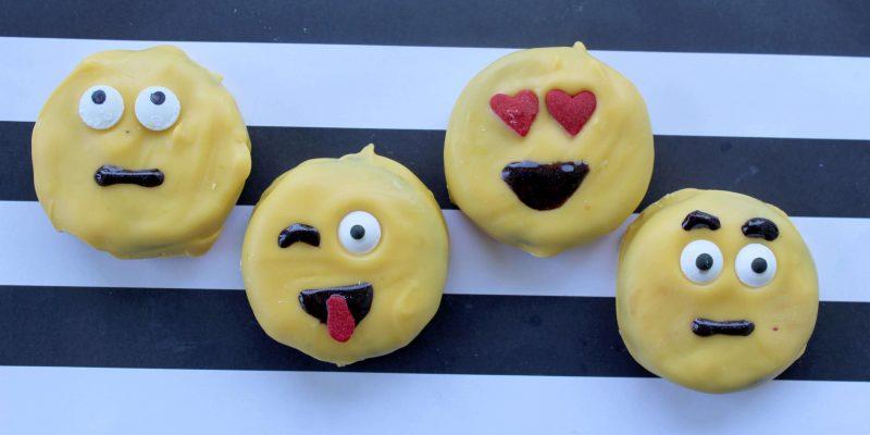 Emoji Movie Cookie Recipe Tutorial + Emoji Fidget Spinner List
